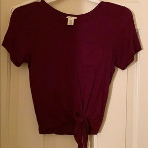 BURGUNDY KNOTTED CROPPED TEE